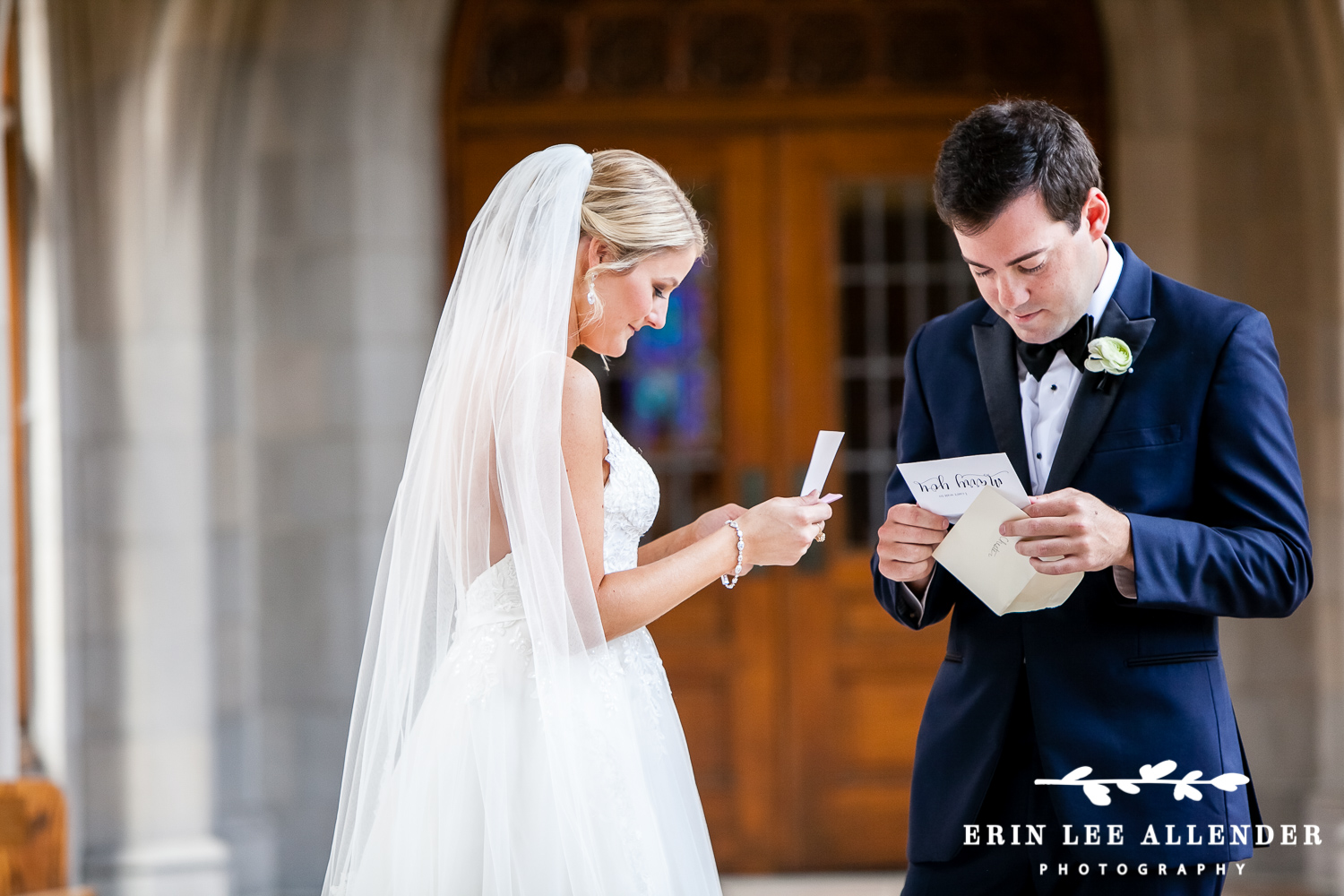 Bride_And_Groom_Exchange_Notes