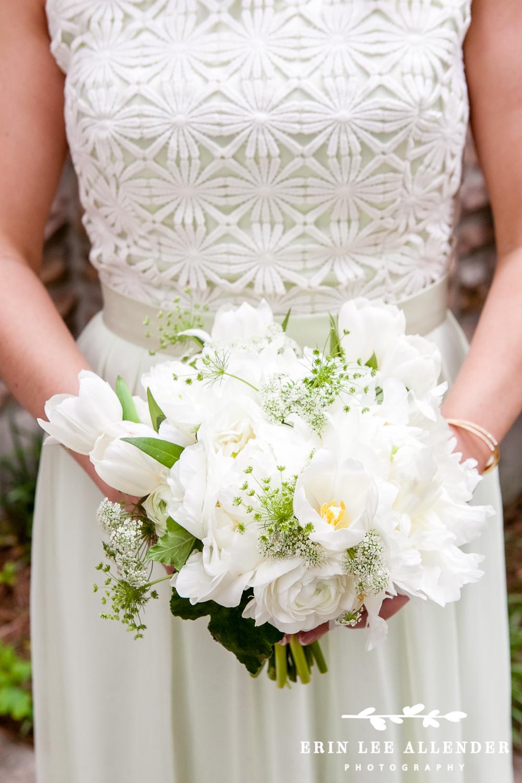 White_Green_Bridesmaid_Bouquet