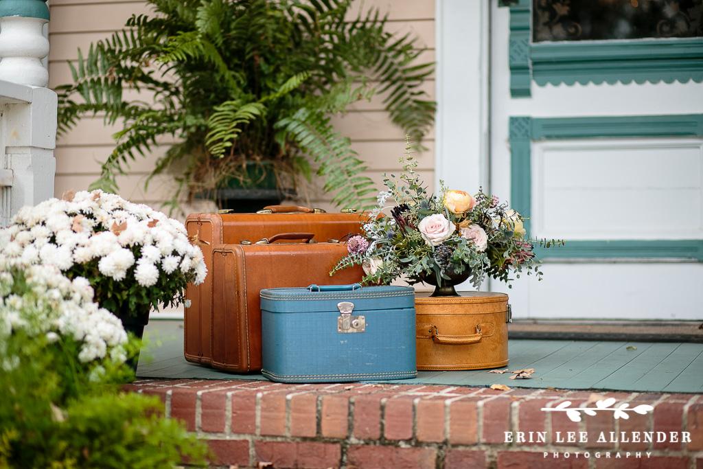 Gilmore_Girls_Vintage_Luggage