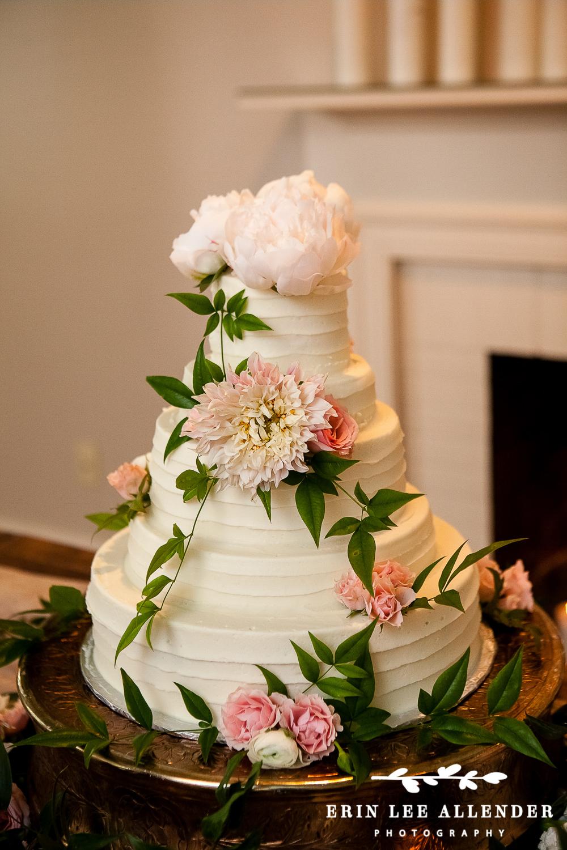 Garnden_Roses_Wedding_Cake