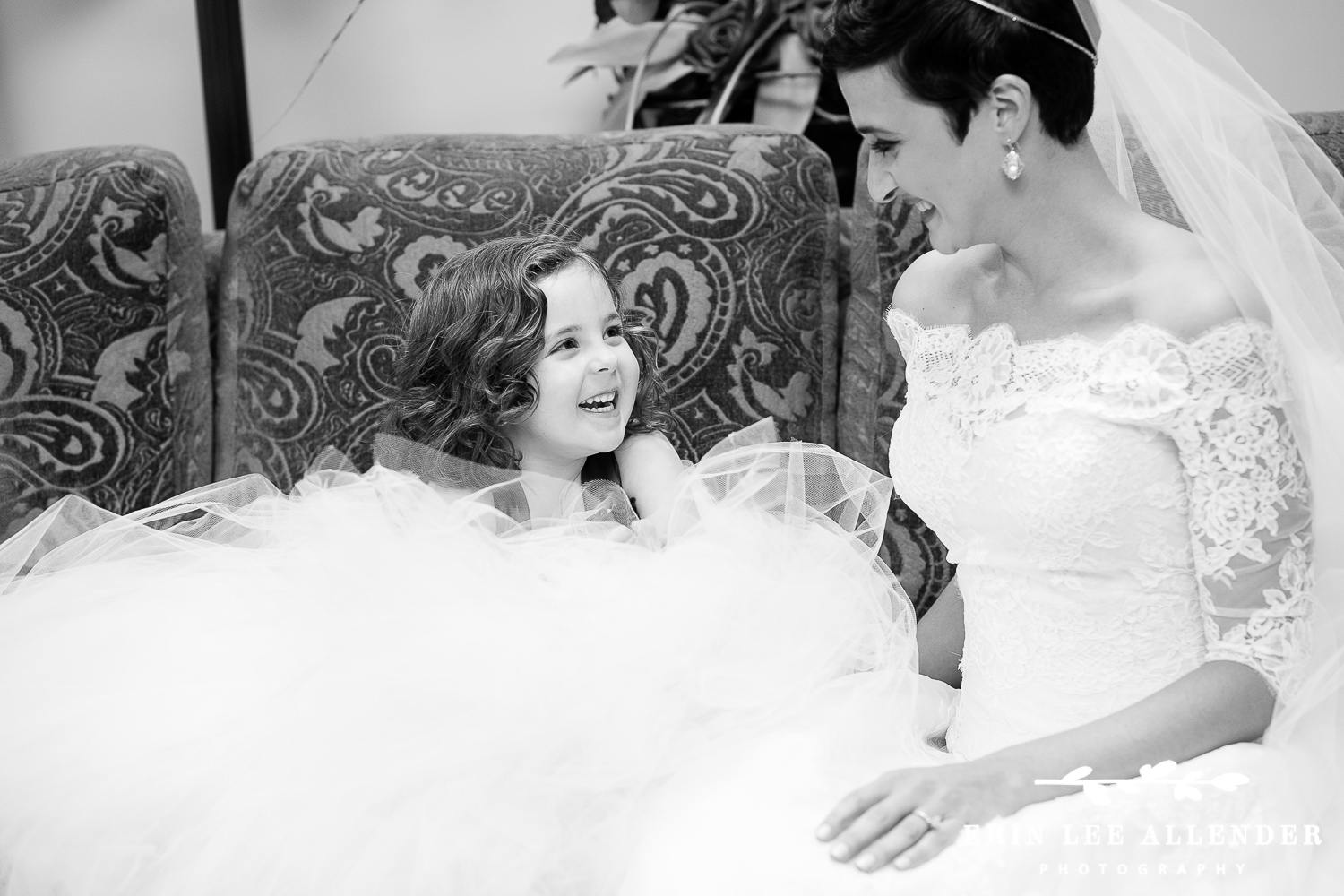 Flower_Girl_With_Bride