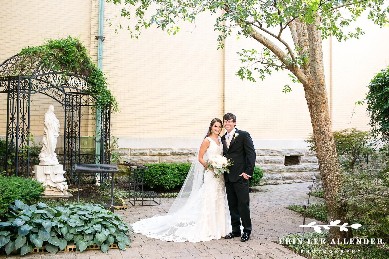 Bride_Groom_In_Courtyard