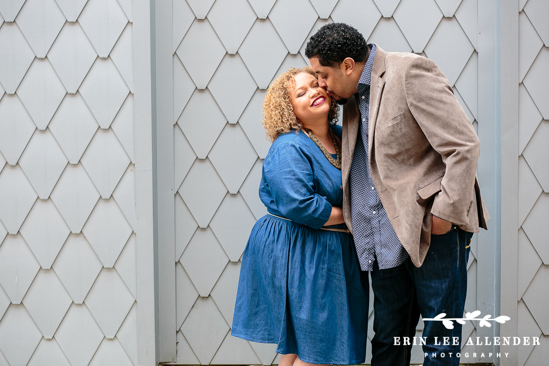 Husband_Kisses_Wife's_Cheek