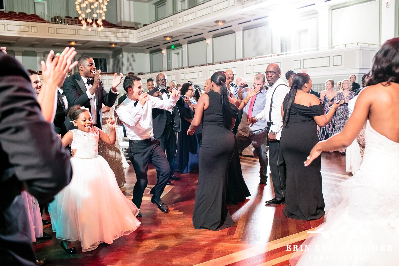The_Moment_The_Wedding_Dance_Floor_Opens