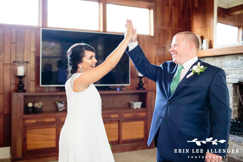 Bride_Groom_Hi_Five