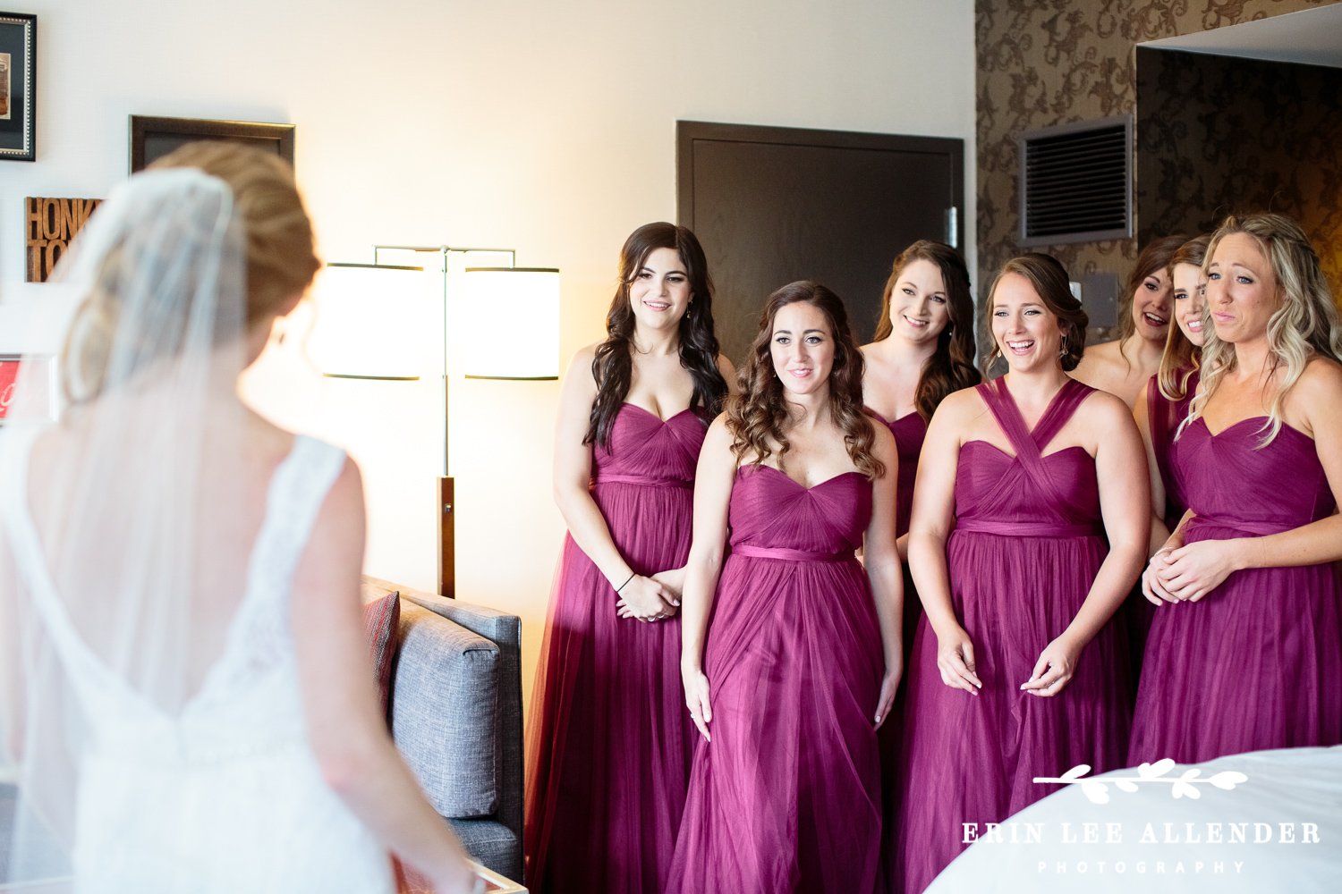 Bridesmaids_Cry_During_First_Look