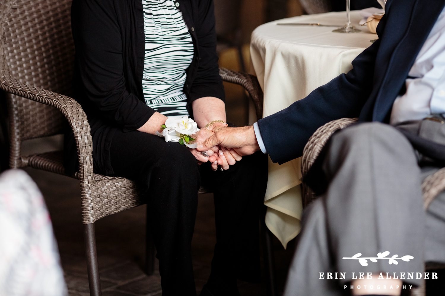 Older_Couple_Holding_Hands
