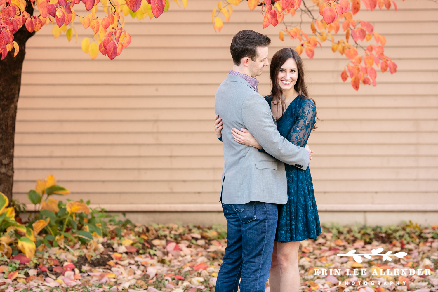 Fall_Leaves_Engagement_Session