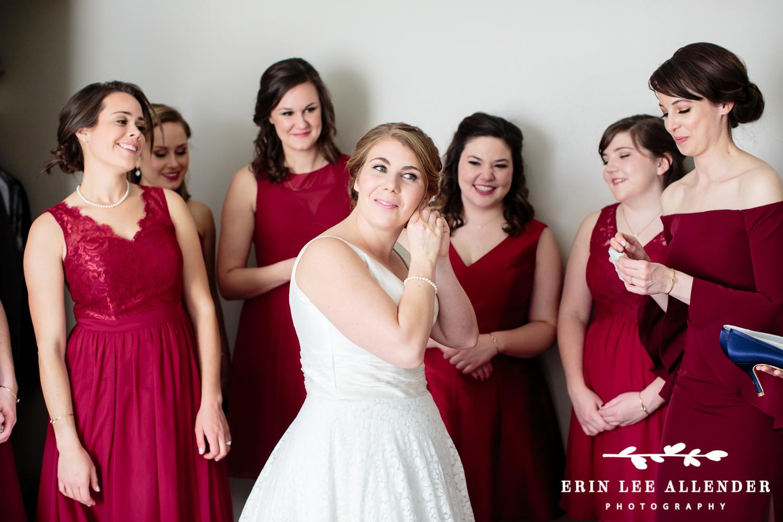 Bride_Putting_In_Earrings