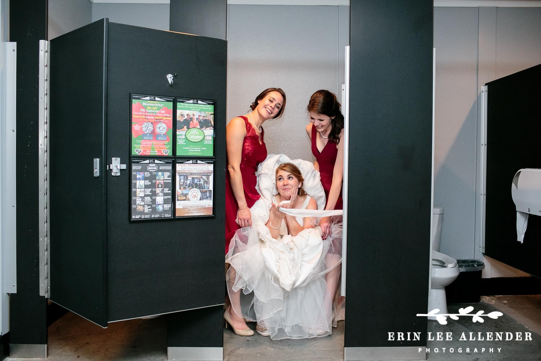 Bridesmaids_Helping_Bride_pee