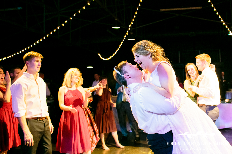 Groom_Lifting_bride