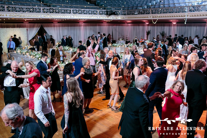 Guests_Dancing_Wedding