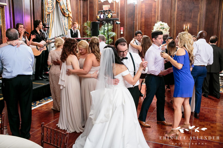 Bride_Groom_Dancing