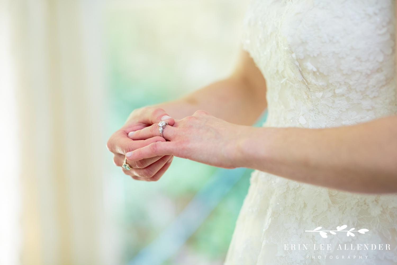 Bride_Puts_On_Ring