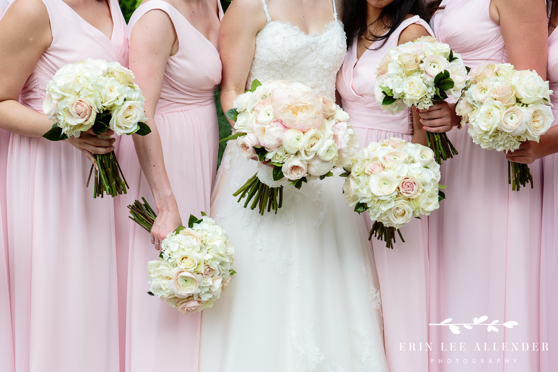 Closeup_Of_Bouquets
