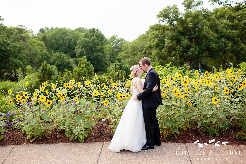 Bride_Groom_Sunflowers