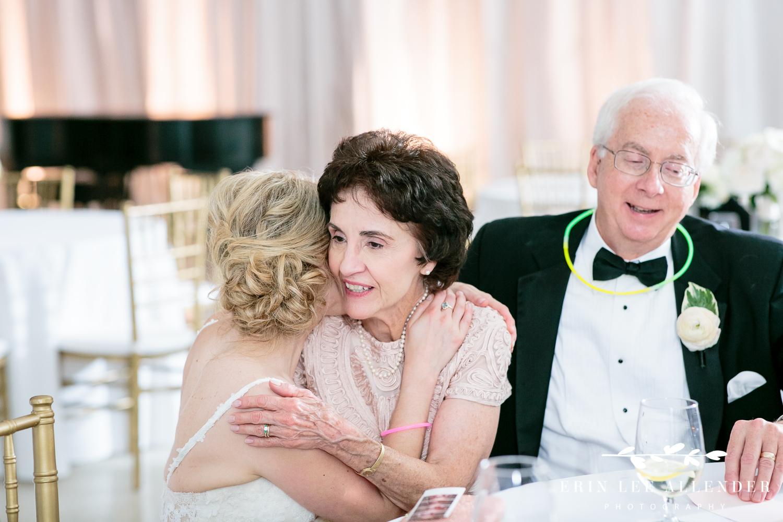 Bride_Hugs_Mom