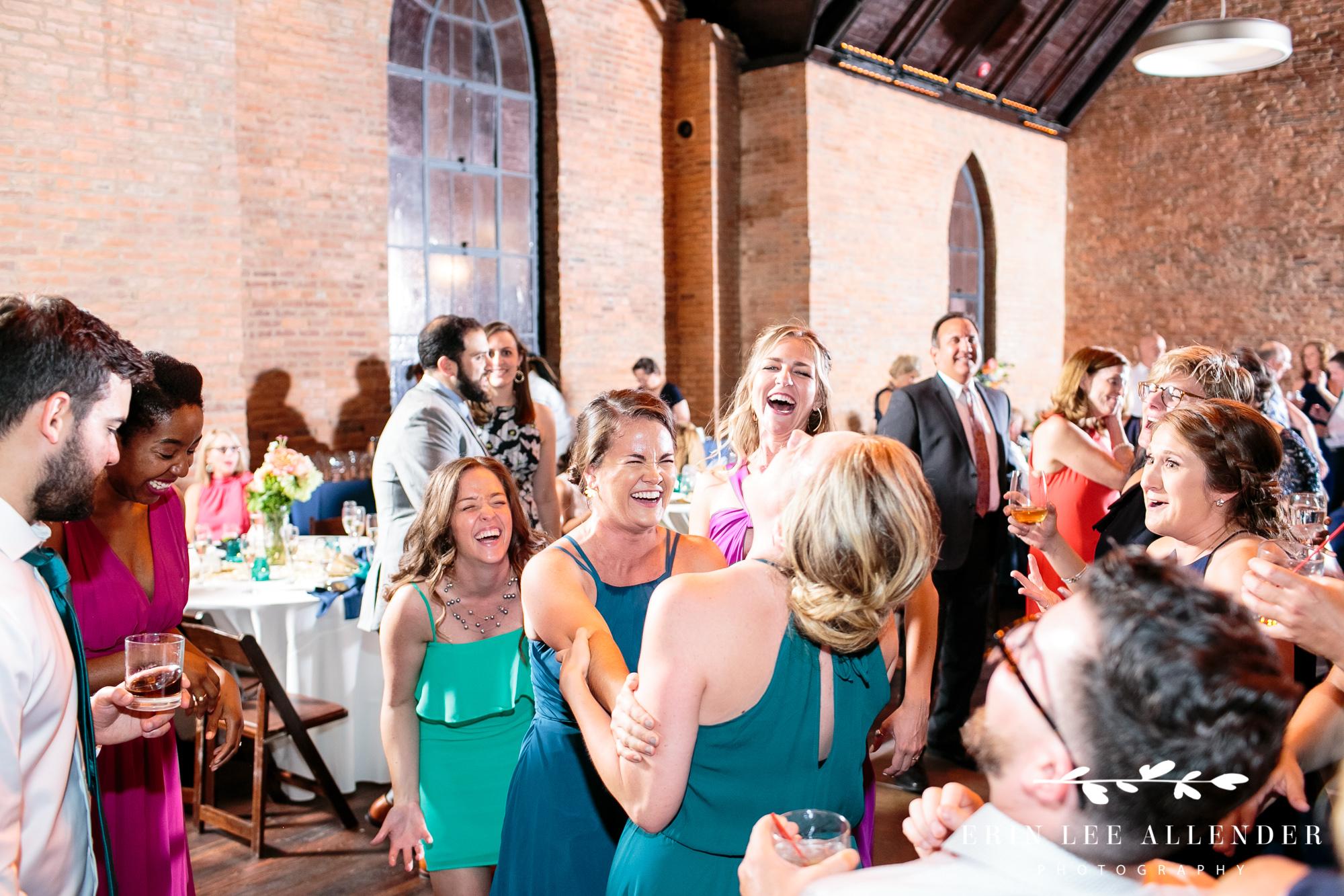 Bridesmaids_Laughing