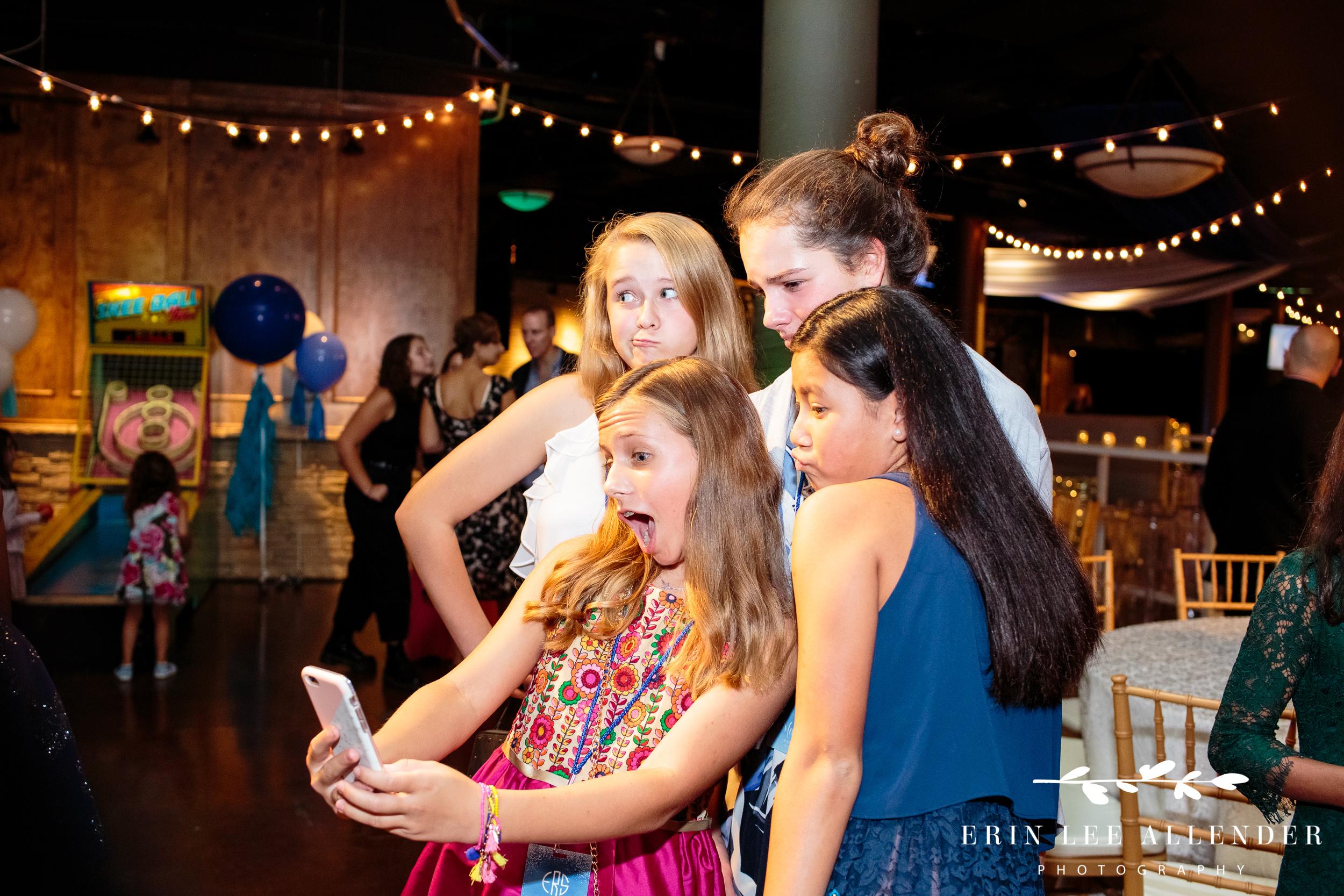 Kids_Taking_Selfies