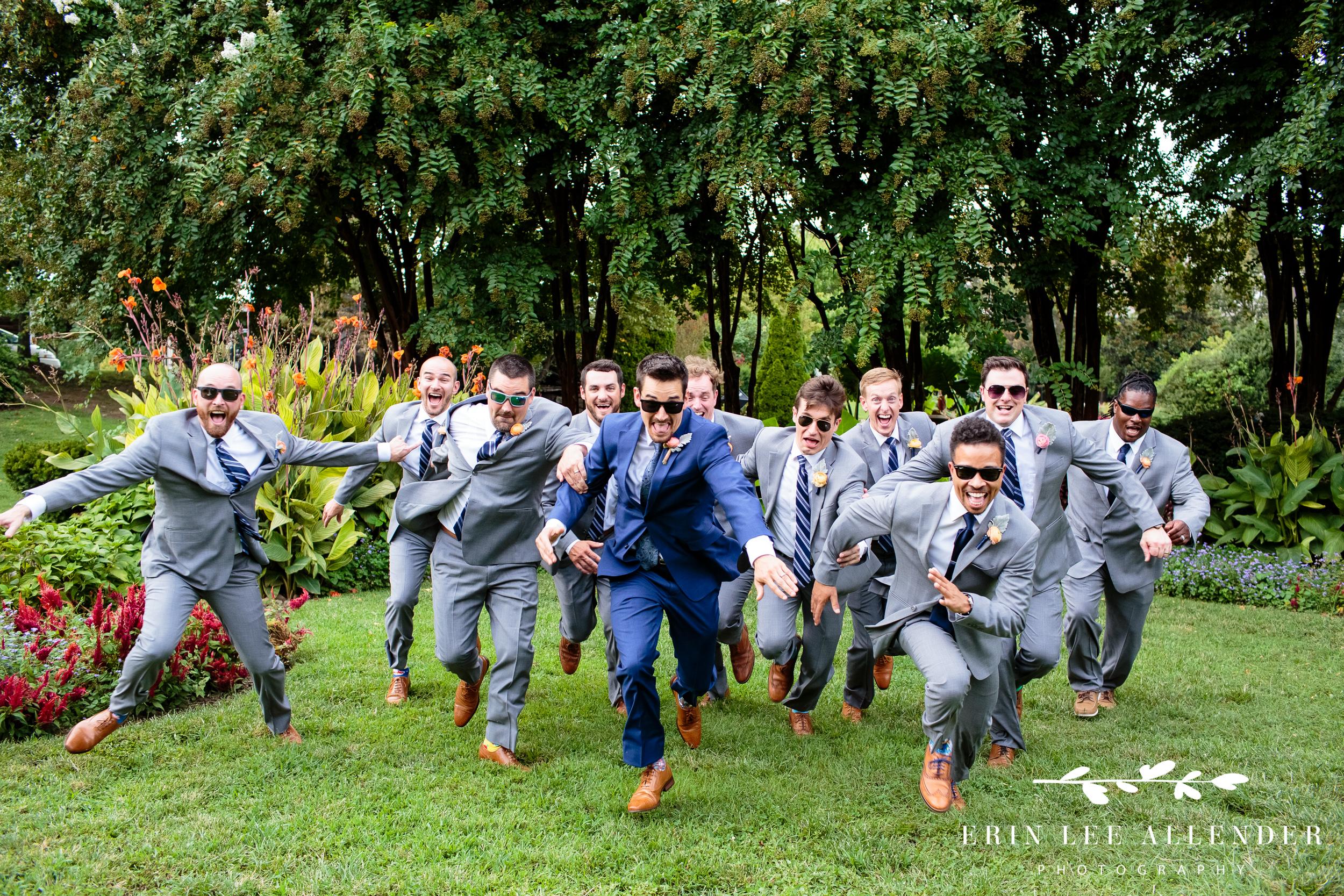 fun-groomsmen-wedding-photo