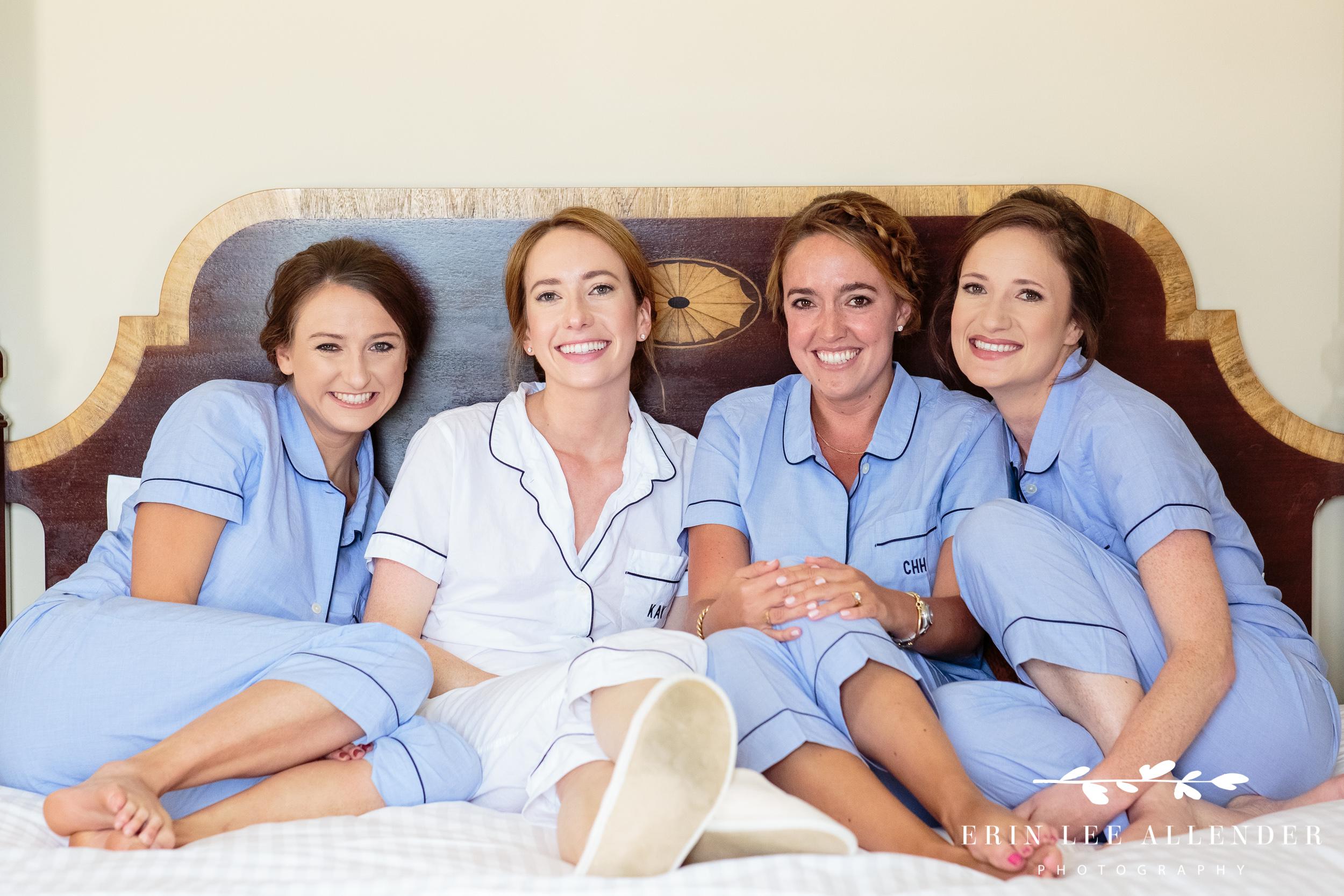 Bridesmaids-Pajama-Photo