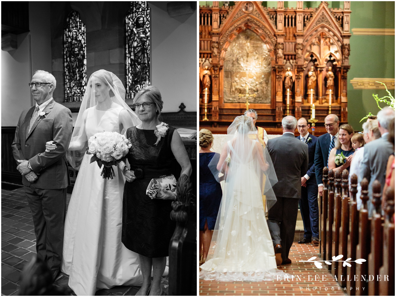 Bride-groom-see-alter