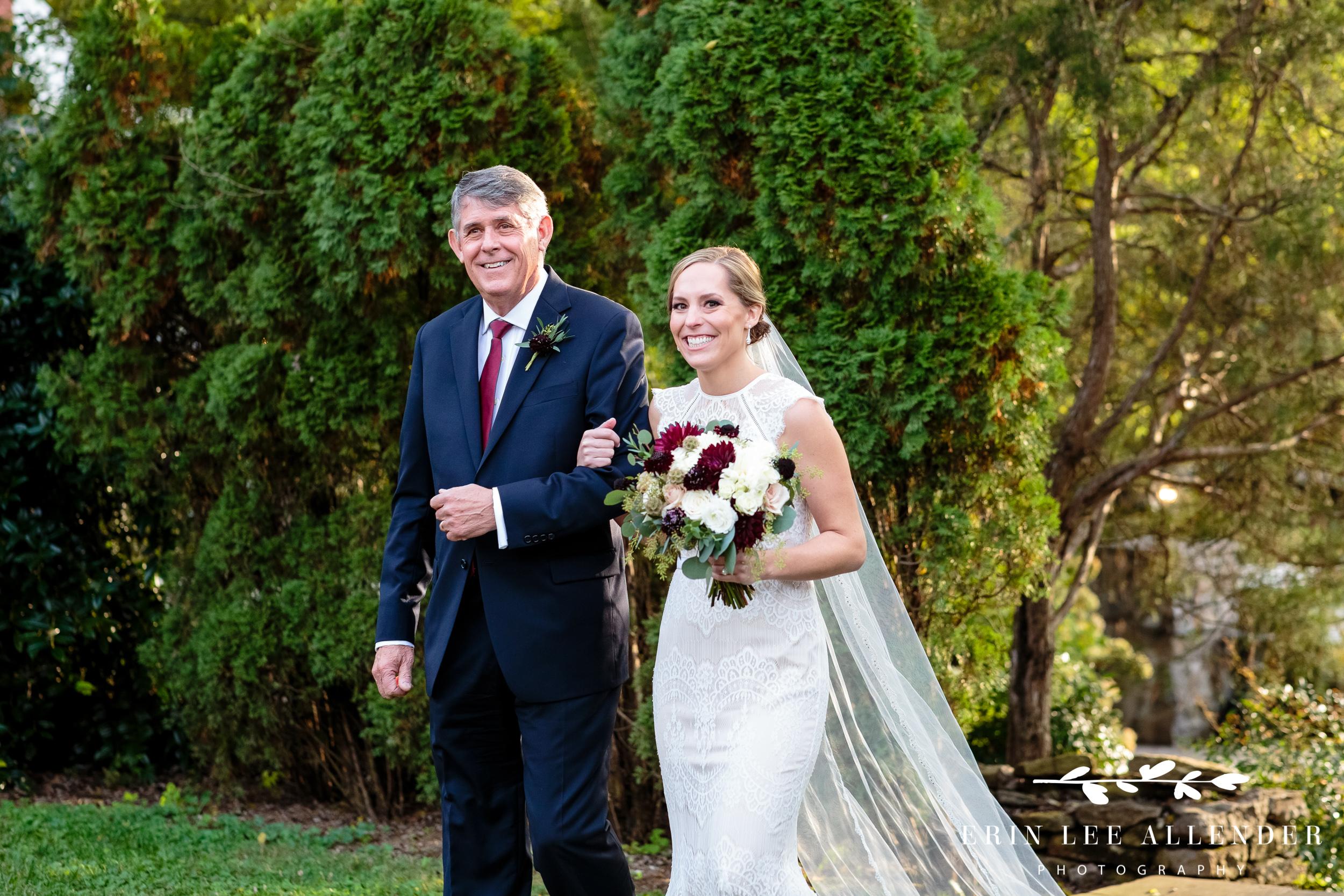 bride-dad-walking-down-the-aisle