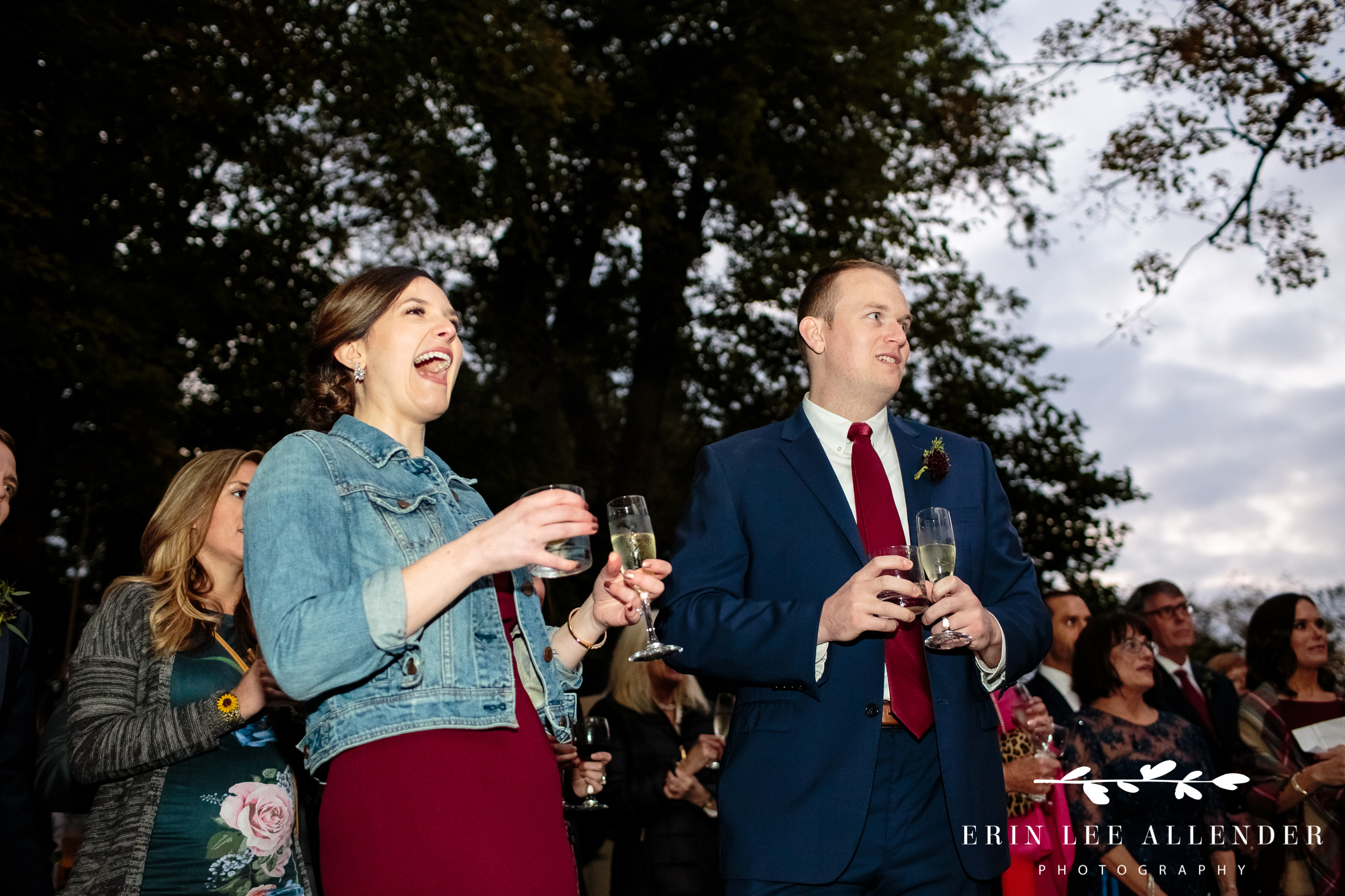 Guests-laugh-at-toasts