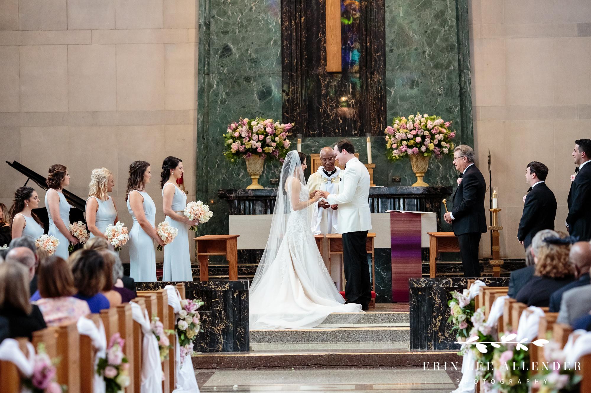 bride-groom-exchange-rings