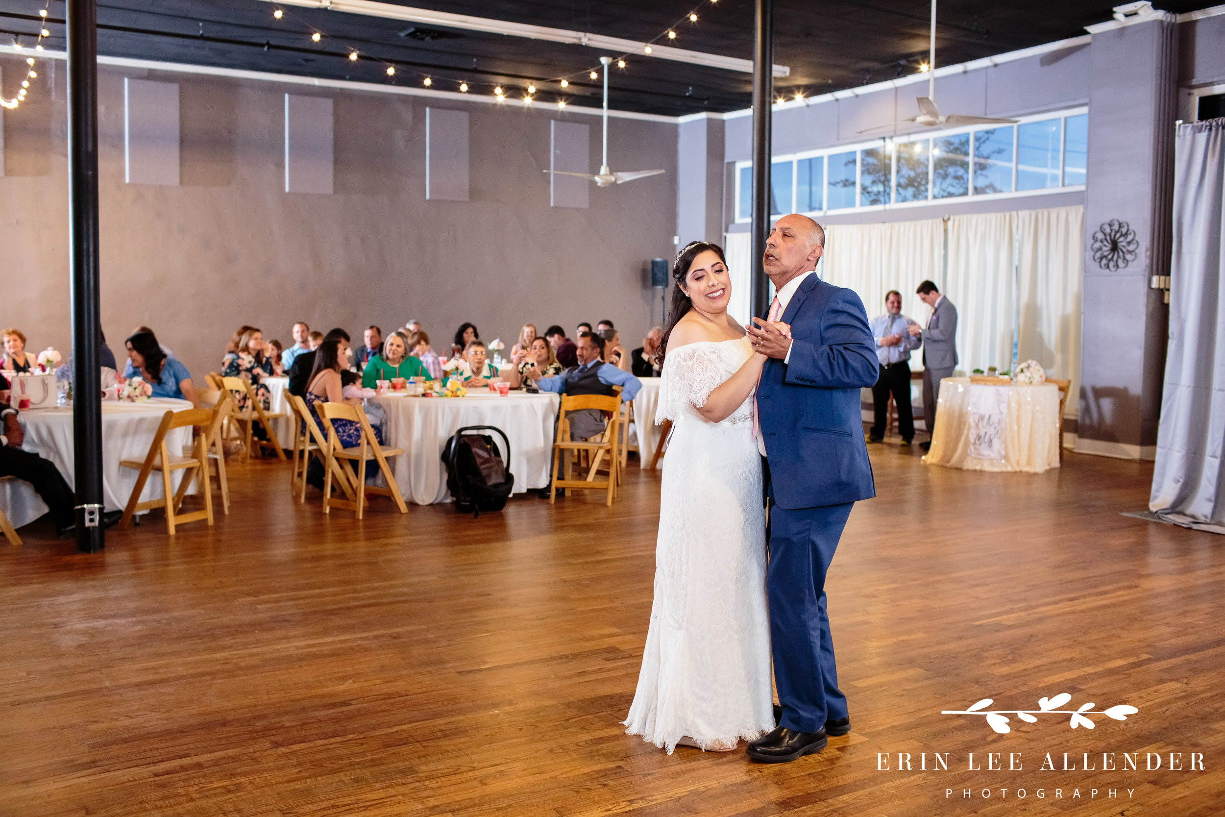 bride-dances-with-dad