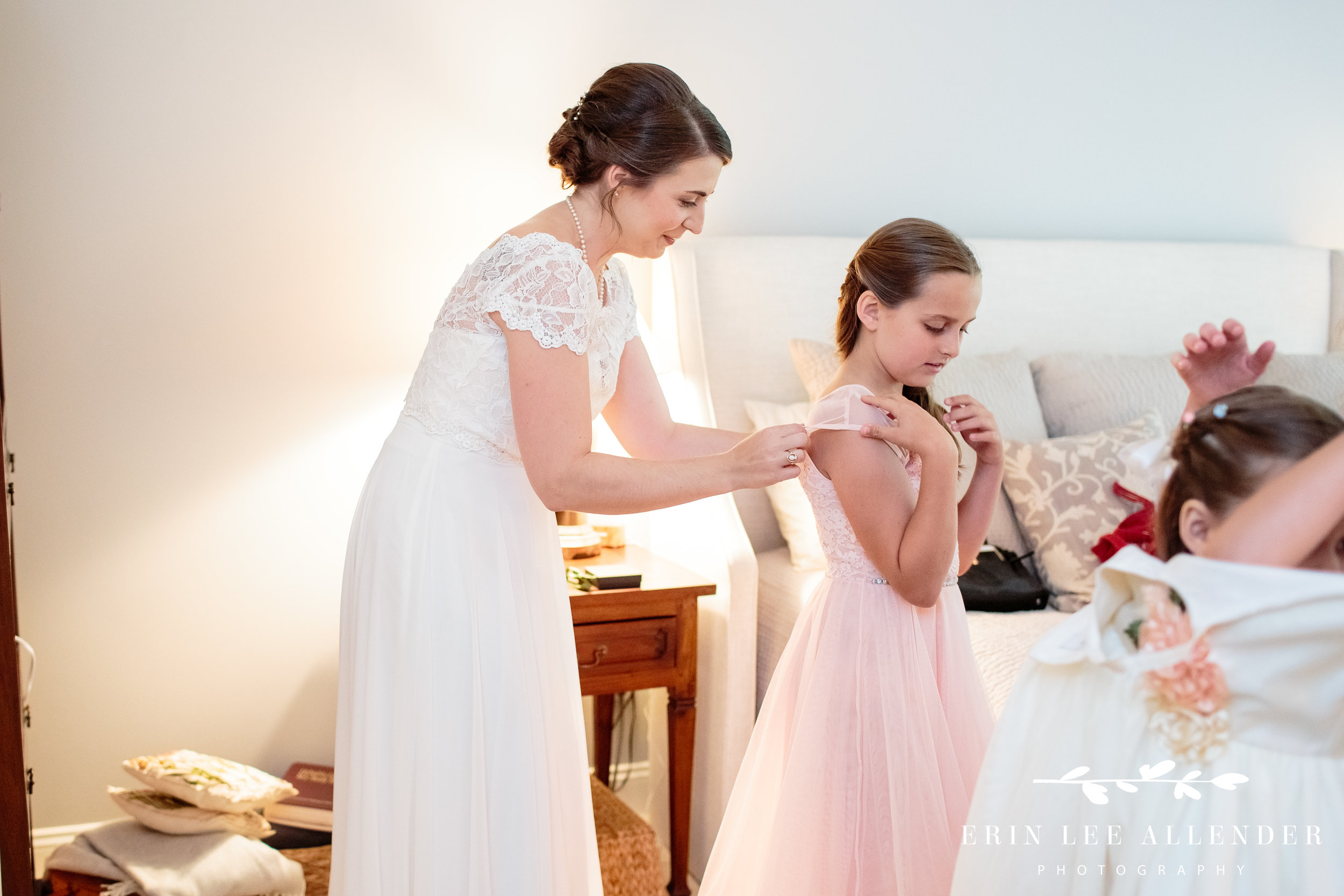 bride-helping-stepdaughter