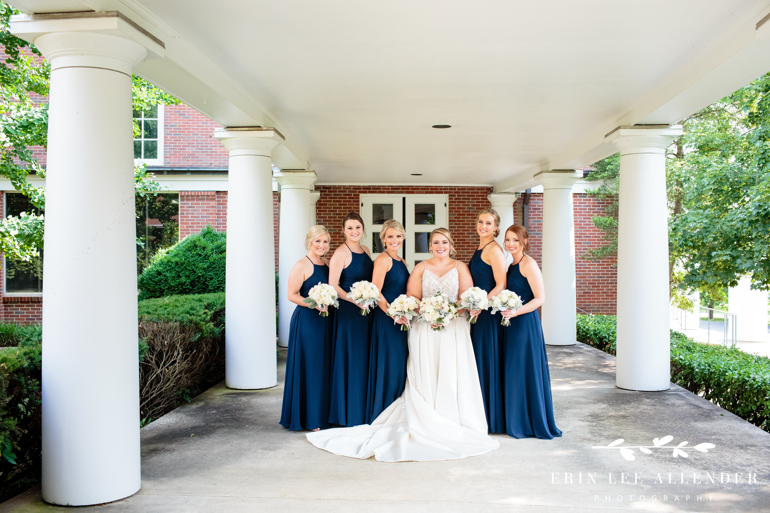 bridal-party-in-navy