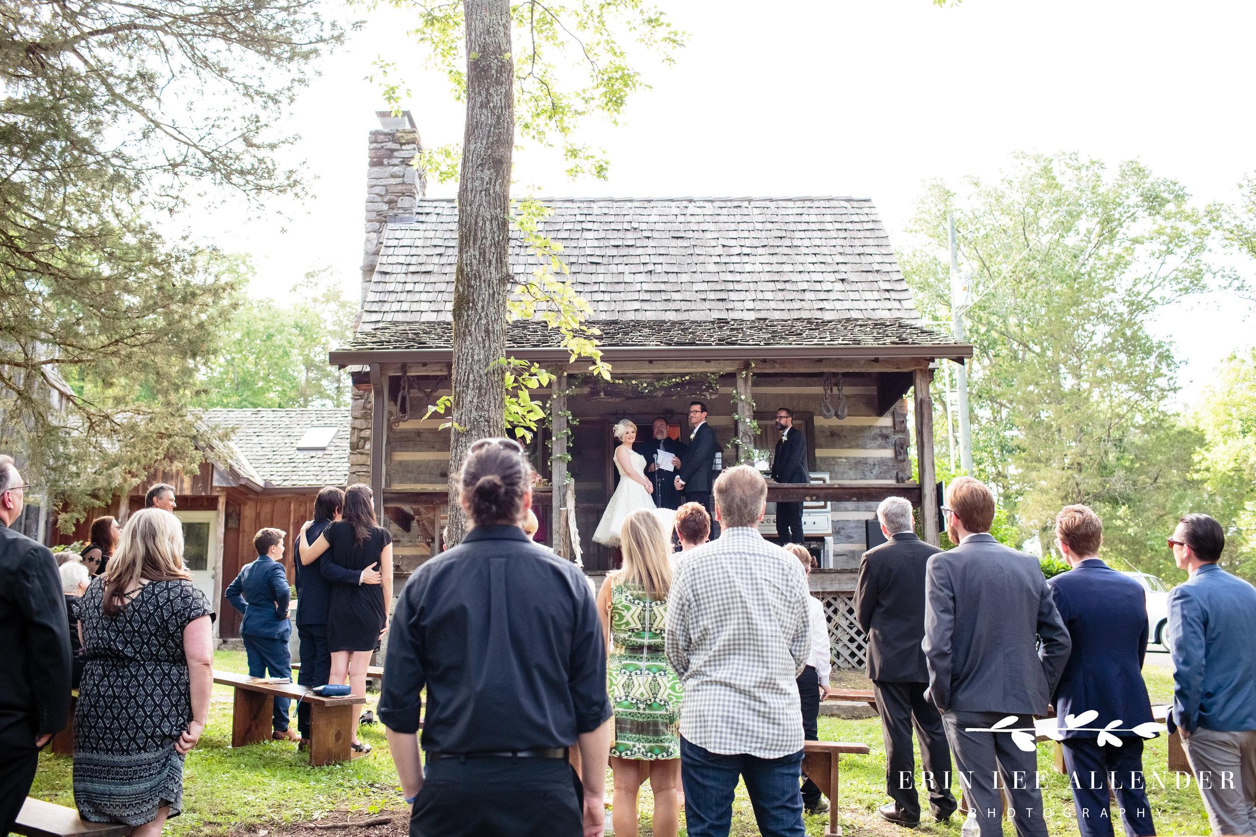 Wedding-At-Johhny-Cash-Cabin