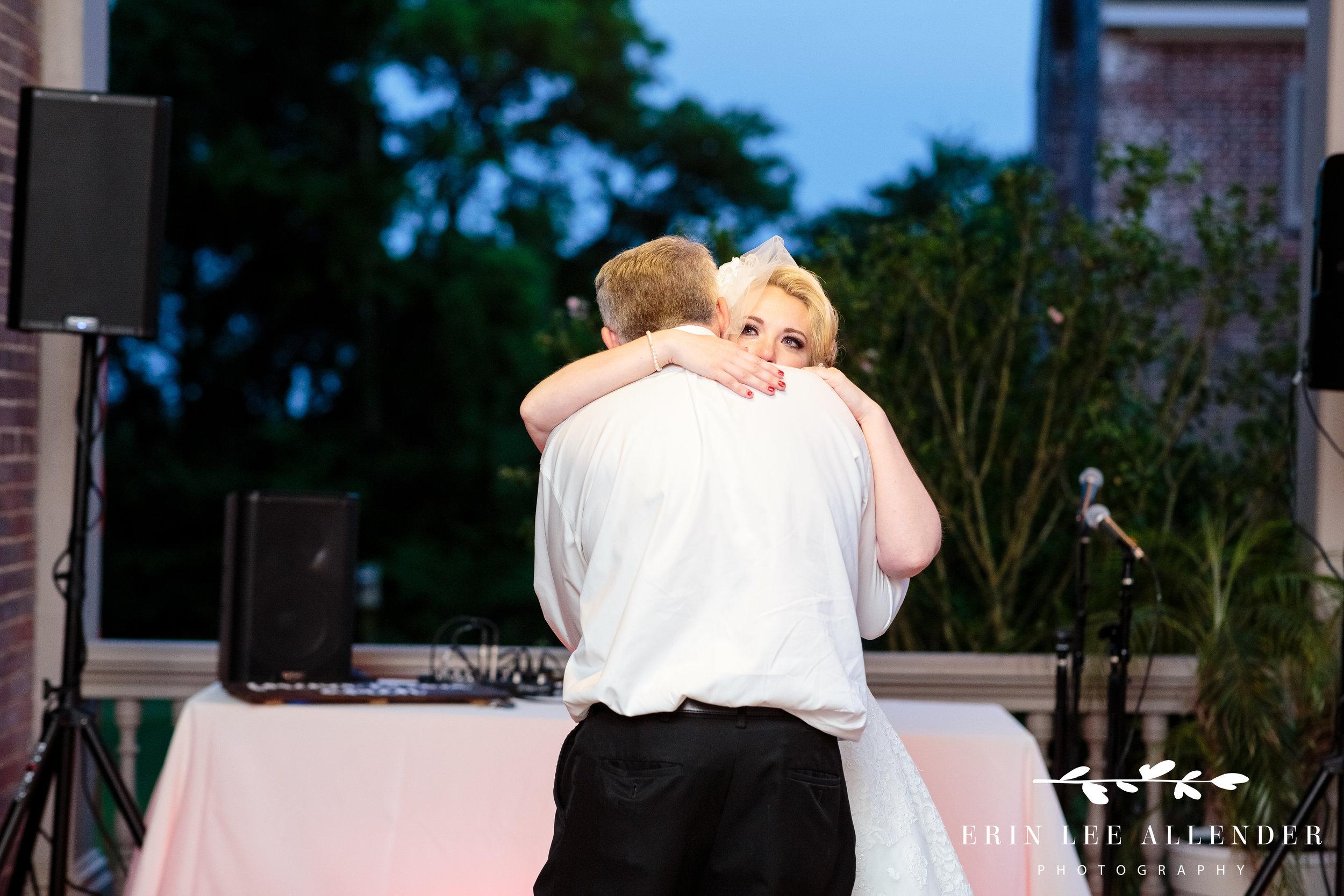 bride-hugs-dad