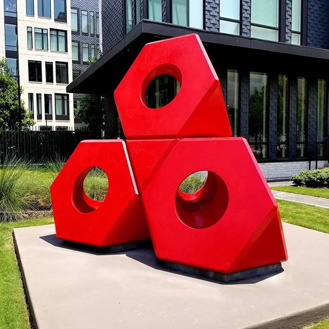 Found this gorgeous Noguchi sculpture across from the High Museum of Art in Atlanta. It was a very pleasant surprise as I have only seen it in pictures. This piece influence a design I did in graduate school for my thesis work. Gorgeous and more impressive in person.