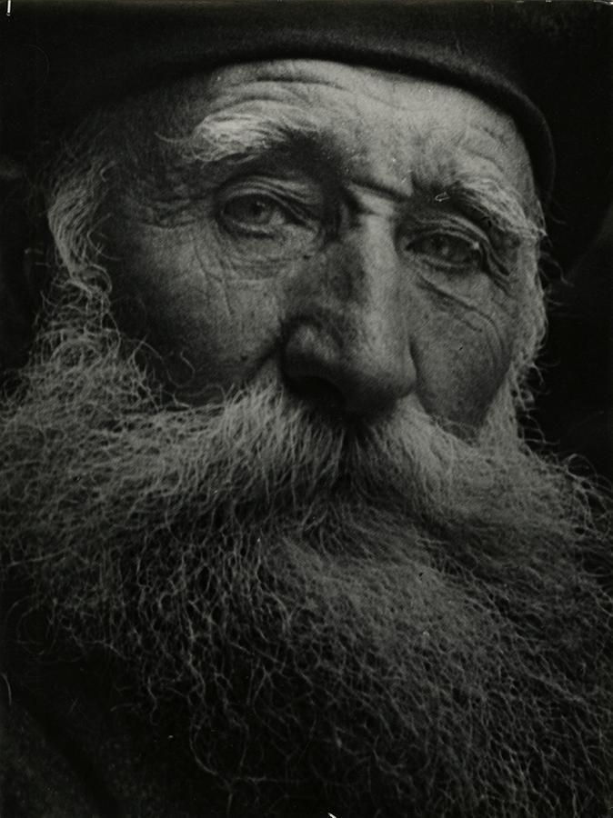 Josef Breitenbach, A ristide Maillol, Marly-Le-Roy , 1934. Courtesy Breitenbach Estate / Gitterman Gallery.