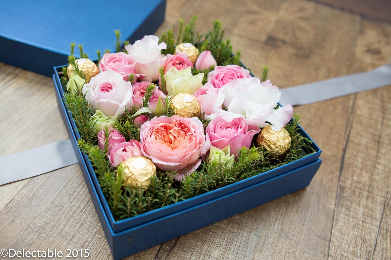 Gift Box Flower Arrangement Seasons Of Love Delectable Flowers