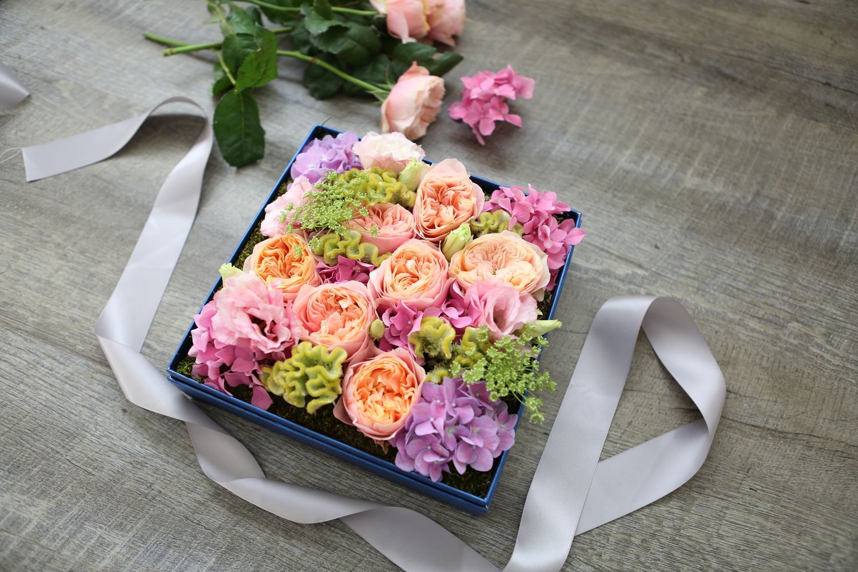 Gift Box Flower Arrangement - Tinker Bell — Delectable Flowers
