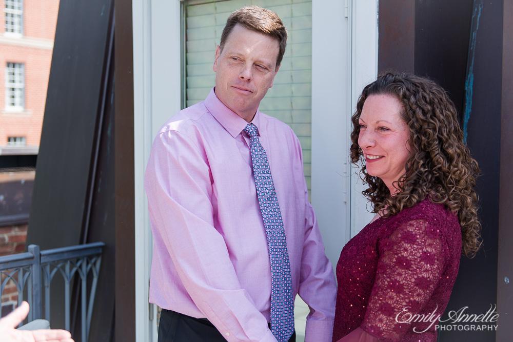 Emily-Annette-Photography-Elizabeth-Aaron-Elopement-Wedding-Alexandria-Virginia-01.jpg
