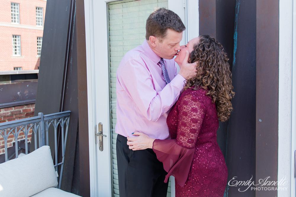 Emily-Annette-Photography-Elizabeth-Aaron-Elopement-Wedding-Alexandria-Virginia-04.jpg