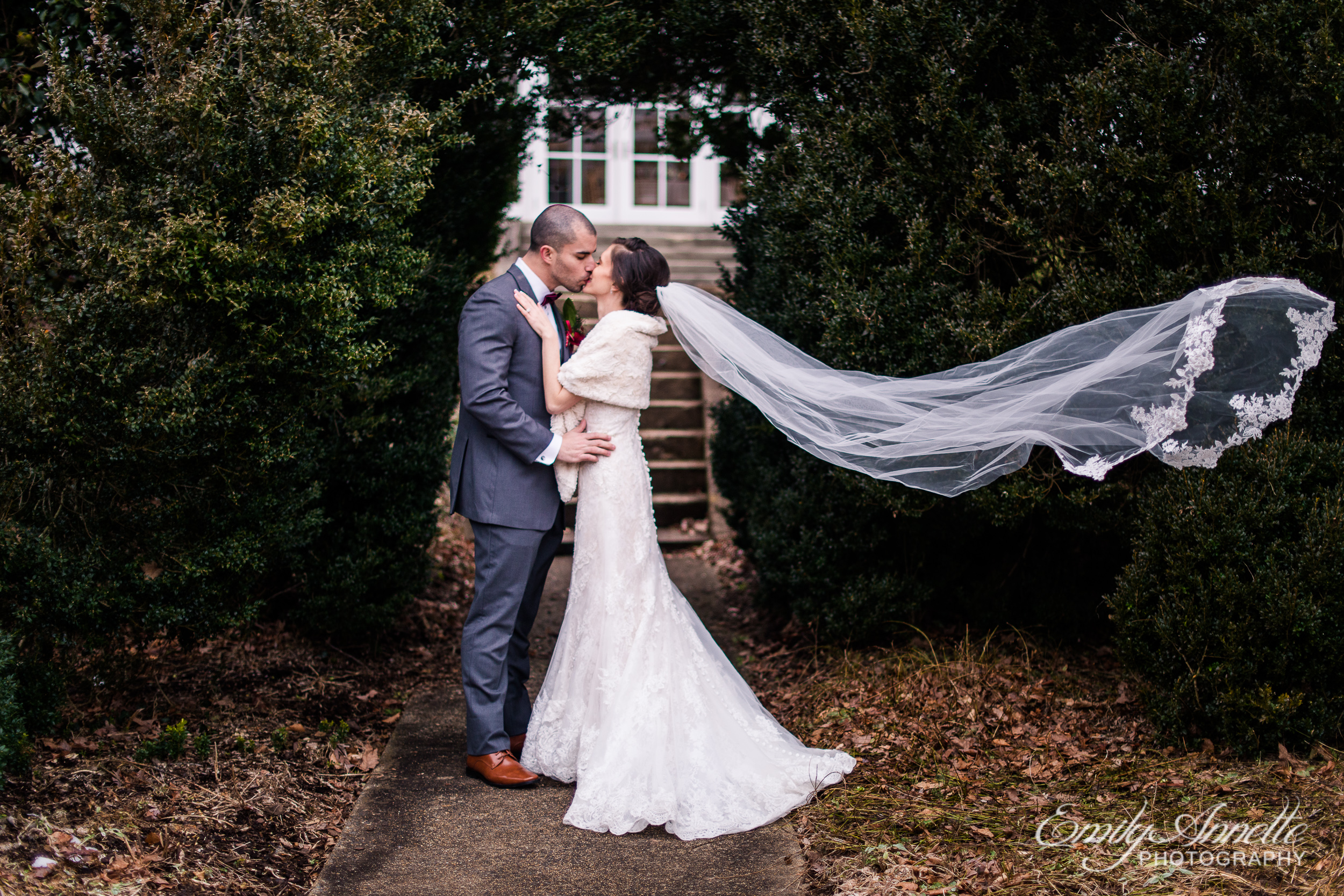 Raspberry Plain Manor Leesburg Virginia Winter Wedding