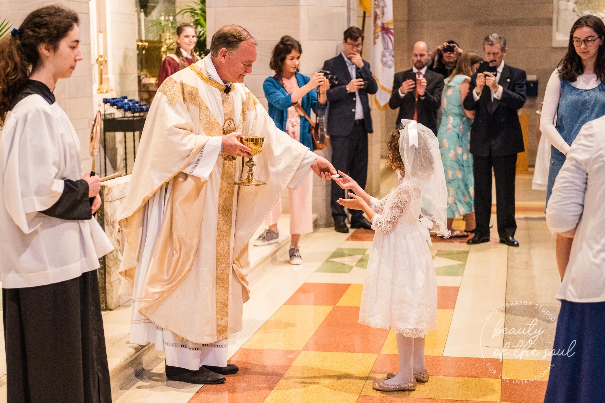 washington-dc-st-ann-catholic-church-first-holy-communion-beauty-of-the-soul-studio-may-2019-16.jpg