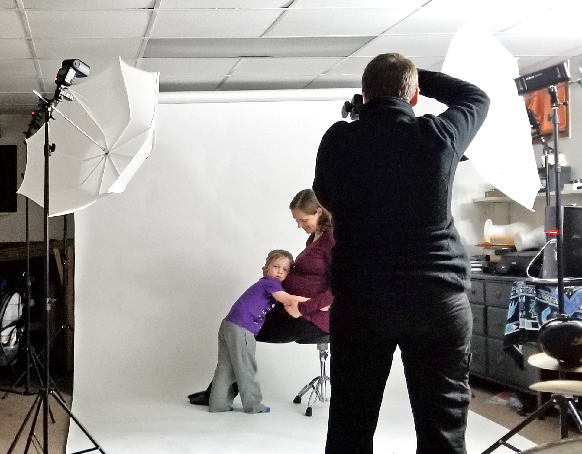 maternity portraits in Baltimore- behind the scenes