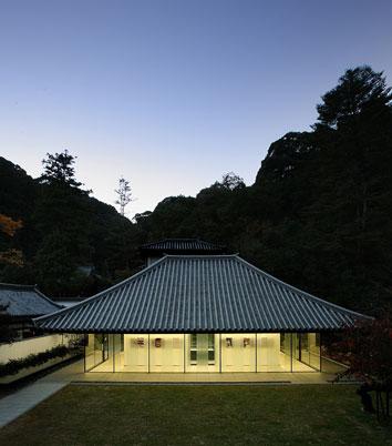 Kiyoshi Kojin at dusk.jpg