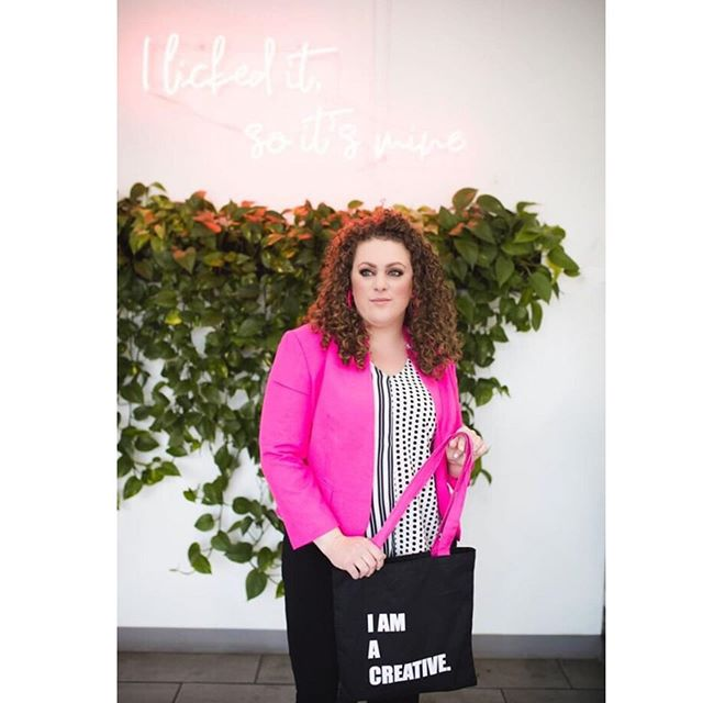 Loved collaborating with @herhashtaglife, founder of @catchmecollaborating and #catchmeatluxe events. We created these chic tote bags as giveaways to her event attendees. Leave a 🦄 below if you're a fellow creative.