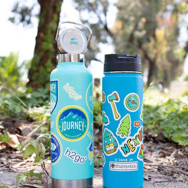 Weekend hike essentials 💦 ⠀ ⠀ Seriously digging the full color wrap capabilities on these custom water bottles. Want a free virtual proof? Send us your artwork or let us dream up something brand new. The possibilities are endless 💫⠀ .⠀ .⠀ .⠀ .⠀ .⠀ @etsexpress #AdLippsPromos #promotionalitems #promotionalproducts #nyfitness #njfitness #athleisurewear #yogaclass #yogaclothes #pilatestime #hikinggear  #cyclingclass #customswag #creativepromos #riseandgrind #customapparel #brandedapparael #fitnessaddicts #workoutroutines #athleisurestyle #fitnessbrand #fitnesspromos #workout💪🏻 #customwaterbottles⠀