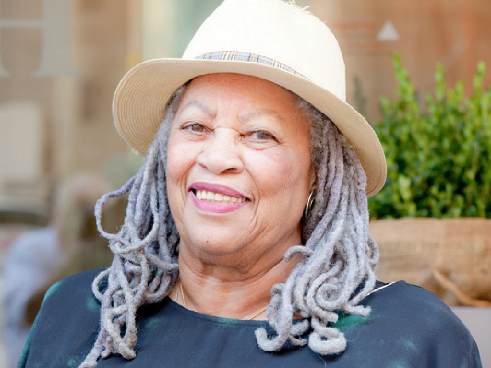 remembering-toni-morrison-quotes.png