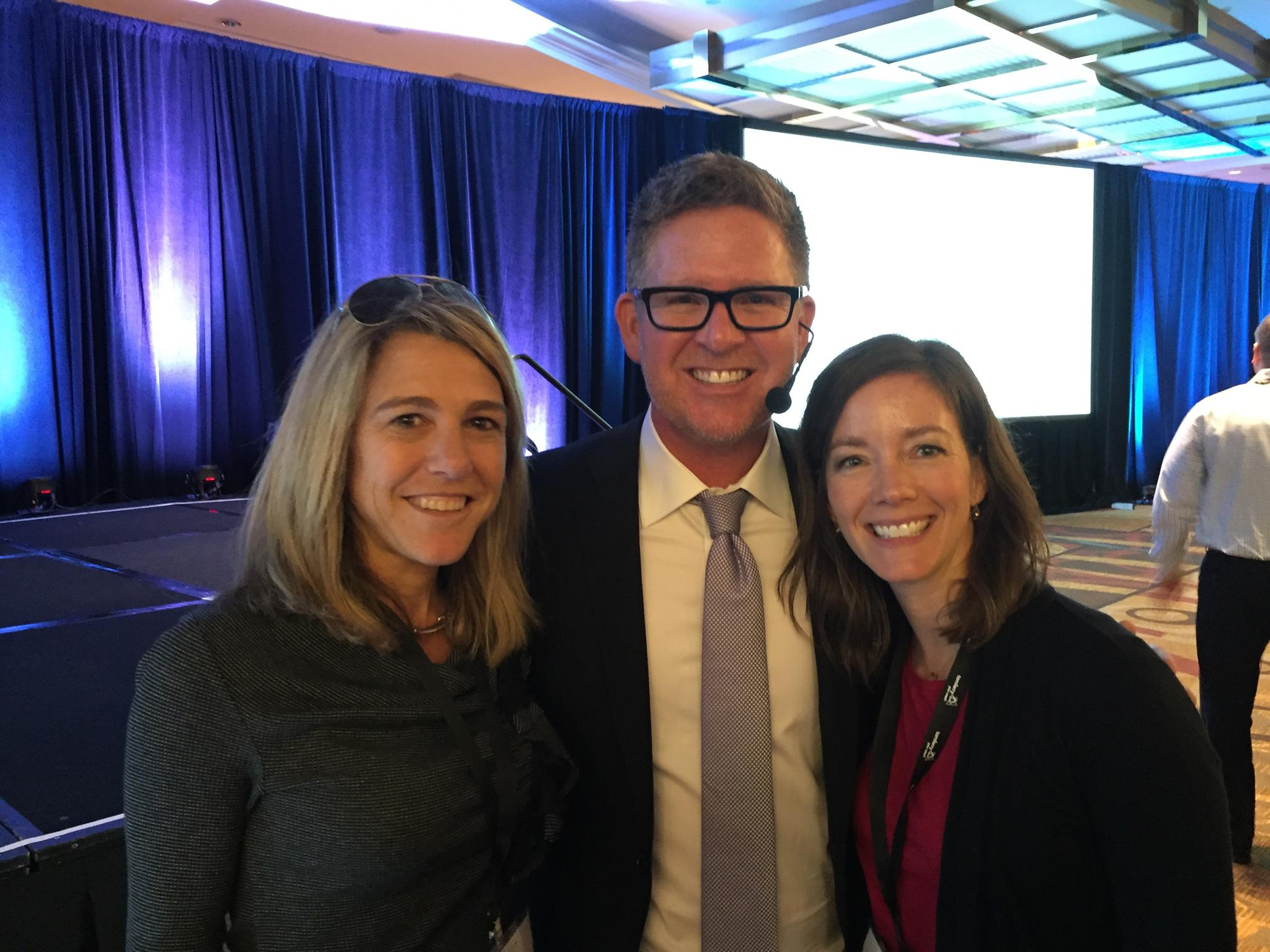 Melissa and Julie w Tom Ferry.jpg