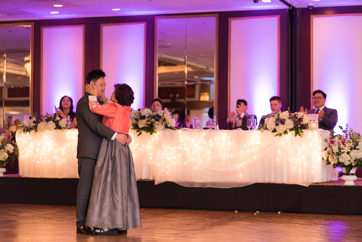 LaFontaineBleue-Reception-Mother-Son-Dance.jpg