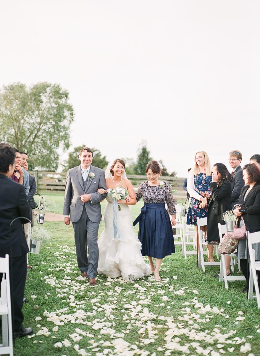 MD-Walkers-Overlook-Wedding-Bride-Get-Ready-55.jpg